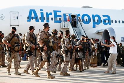 Франция прекратила эвакуацию из Афганистана